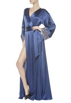 """Silk satin long robe embellished with embroidery on tulle backing in the same colour silk. Finished with hand-embroidered double """"frastaglio"""" lace. Details: Length 155 cm. Made in Italy.100% Silk"""