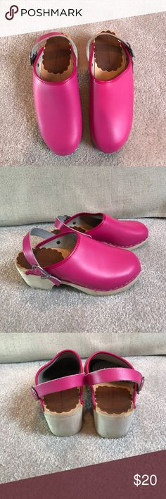 Hanna Anderson pink clogs 35 Min wear. Clean Hanna Andersson Shoes Sandals & Flip Flops