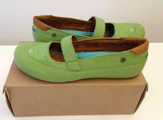 MOZO Women's  Green Fab Flat Canvas Mary Jane Work Shoe Size 10 USA  #MOZO…