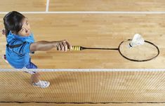 Badminton is a fairly easy game to learn and fun to play casually and competitively. Basic badminton skills include learning how you hold the racket, serve Tennis Camp, Tennis Gear, Tennis Tips, Tennis Clothes, Tennis Party, Badminton Rules, Tennis Rules, Badminton Sport, Tennis Techniques
