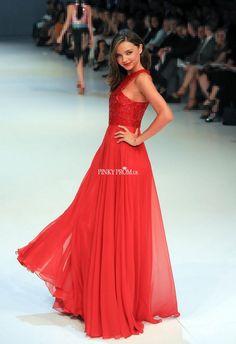 #MirandaKerr red carpet dress