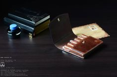 [pen]  PEN  POUCH  VI ---------------- 1 6 0 x 1 6 0 mm  #leather #lotus #leatherbag #leatherwork #leathercraft #leatherhandmade #hanoi #horween #handicraft #hoangthanhtung #handmadeinvietnam #men #messengerbag #madeinvietnam #pen #penpouch #bag #bespock #briefcase #bussinessman #vegtan #vietnam #vintage #vegtanleather #craft #clutch #custom #workshop #elegant