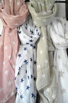 ღ star scarf Scarf Styles, Womens Scarves, Spring Fashion, What To Wear, Style Me, Star Wars, Womens Fashion, Ladies Fashion, Outfits