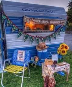 Vintage Aristocrat camper | Sisters on the Fly