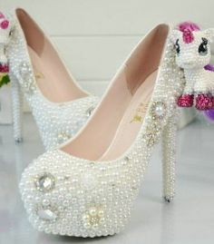 White-Ivory-Crystal-Pearl-Round-Bridal-Wedding-Shoes- 31fb2fbfe997