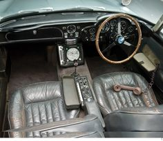 Aston-Martin-DB5-4 as driven by James Bond..... Cheers.... Big Al Connolly