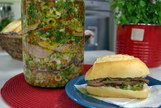 INGREDIENTES:    . 1 lagarto bovino (1,700g)  . 1 colher (sopa) de sal  . 1 colher (sopa) de pimenta do reino em pó  . 4 folhas de louro ...
