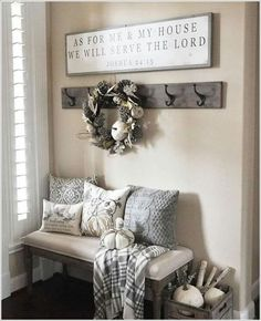 10 Chic Ways to Decorate Your Entryway Wall 2 Entry Way Decor Ideas, Front Entryway Decor, Entryway Hooks, Foyer Ideas, Foyer Wall Decor, Small Entry Decor, Living Room Entrance Ideas, Kitchen Entryway Ideas, Small Apartment Entryway