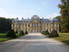 historical wedding, meeting & film shoot venue in France, near Paris CDG ai Architecture Classique, Neoclassical Architecture, French Architecture, Beautiful Architecture, Beautiful Castles, Beautiful Buildings, Palaces, French Castles, Old Houses