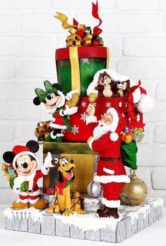 Mickey and Minnie Mouse Meet Santa Claus - Cake Decorating Dıy Ideen Mickey Christmas, Christmas Baking, Christmas Treats, Christmas Time, Christmas Presents, Christmas Lights, Disney Desserts, Disney Cakes, Christmas Pies