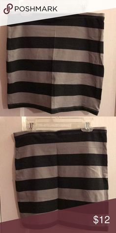 Mini body con skirt Gray and back striped mini body con skirt, worn only once in great condition. Skirts Mini