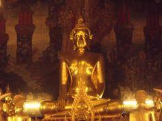 พระพุทธอนันตชิน พระประธานในพระอุโบสถ วัดเวฬุราชิณ