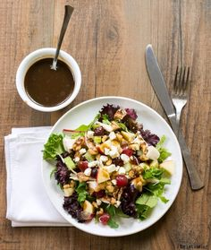 Waldorf Salad {California Pizza Kitchen Copycat}  http://www.ihearteating.com   #copycat #salad #recipe