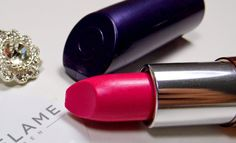 Chocolate & Lipstick: Oriflame The One 5in1 Colour Stylist Lipstick in Fuchsia Hype