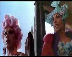 Nos vamos al desierto de Australia con una road movie muy colorida y musical: Priscila Reina del Desierto #peliviajera
