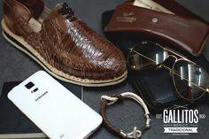 Tendencia en calzado artesanal mexicano.  #Gallitos