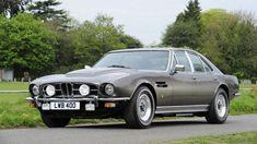 1974 Aston Martin Lagonda front