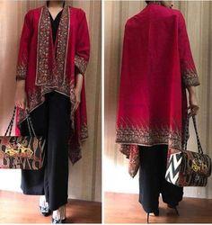 Best 11 My favou costum – SkillOfKing. Frock Fashion, Batik Fashion, Abaya Fashion, Fashion Dresses, Blouse Batik, Batik Dress, Batik Blazer, Batik Kebaya, Kebaya Dress