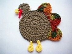 Free Thanksgiving Crochet Patterns Gobble Coaster - part of a fantastic roundup of free crochet Thanksgiving patterns on Gobble Coaster - part of a fantastic roundup of free crochet Thanksgiving patterns on Thanksgiving Crochet, Crochet Fall, Halloween Crochet, All Free Crochet, Crochet Home, Crochet Crafts, Yarn Crafts, Easy Crochet, Crochet Projects