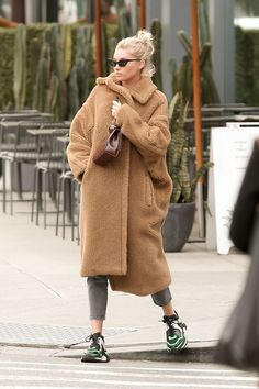 46 Elegante Wintermäntel im Street-Style Trends Ideas - Coat Street Style Trends, Autumn Fashion Casual, Autumn Winter Fashion, Mode Outfits, Fashion Outfits, Fashion Fashion, Fashion Women, Outfit Invierno, Winter Wear