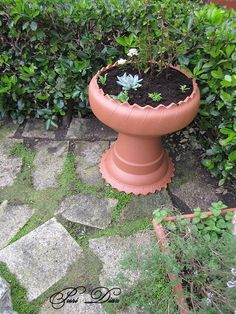 DIY flower pot made with an old tire..
