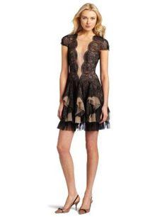 BCBGMAXAZRIA Women's Rochelle Scallop Lace Dress