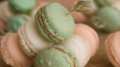Macaroons are the perfect treat for a glamorous affair #LuxBride