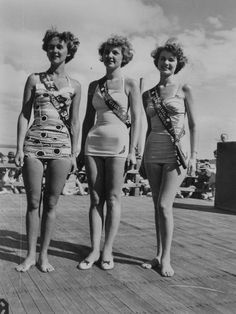 Sun Girl Quest place getters posing at Suttons Beach, 1953