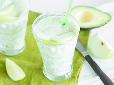 Sauer trifft cremig: Grüner Apfel-Avocado-Smoothie