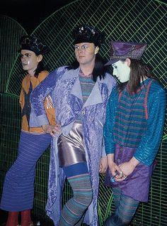 Club to Catwalk: David Walls, Leigh Bowery and Trojan at Camden Palace, London, 80s Fashion, London Fashion, Fashion Show, Club Fashion, Weird Fashion, Fashion Sewing, Fashion 2018, Vintage Fashion, Bowie