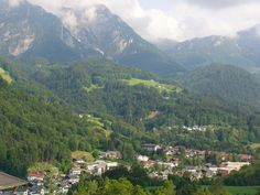 Google Image Result for http://upload.wikimedia.org/wikipedia/commons/d/d2/Berchtesgaden.jpg