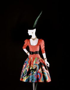 "ce-sac-contient: "" Yves Saint Laurent - Short evening dress, tribute to Pablo Picasso, haute couture collection, Fall-Winter 1979 Black velvet and orange moiré, multicolored appliqué. Saint Laurent Paris, Saint Laurent Dress, St Laurent, Pablo Picasso, Ysl, Vogue Paris, Christian Dior, Vintage Outfits, Vintage Fashion"