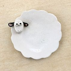 Meleyen kaşık tutacağı  #ceramic #sheep #lamb #spoonholder #kitchenware #idid #handmade #seramik #kuzu #yemekkaşıklığı #instaceramics  Buy Kitchen Tools http://amzn.to/2dXYZ7K  Yummery - best recipes. Follow Us! #kitchentools #kitchen