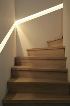 Handrail illuminated Source by Railing Design, Stair Railing, Staircase Design, Entryway Stairs, Escalier Design, Stair Detail, Stair Lighting, Modern Stairs, Interior Stairs