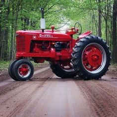 Tractors 705939310323080299 - Nice looking M from – thanks Source by aqzsewdrxftcg Tractors For Sale, Case Tractors, Farmall Tractors, Ford Tractors, John Deere Tractors, Antique Tractors, Vintage Tractors, Vintage Farm, International Tractors