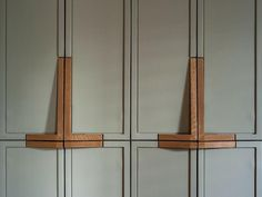 wooden handles by Workstead Park Slope Brooklyn NY Interior Design Wooden Cabinet Pulls, Kitchen Inspirations, Joinery Details, Furniture, Wooden Cabinets, Door Design, Interior, Kitchen Cabinet Pulls, Wooden Handles