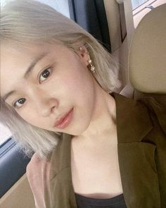 South Korean Girls, Korean Girl Groups, Idol, Without Makeup, White Hair, New Girl, Baby Love, Kpop Girls, Rapper