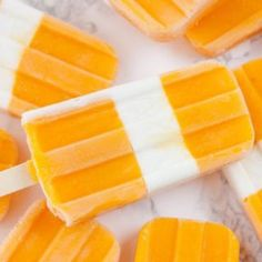 Theses delicious coconut and mango ice pops are a refreshing treat that comes packed pro-biotic dietary fiber, vitamin A and potassium. Frozen Desserts, Frozen Treats, Vegan Desserts, Vegan Treats, Dessert Recipes, Freeze Avocado, Avocado Recipes, Coconut Popsicles, Crispy Sweet Potato
