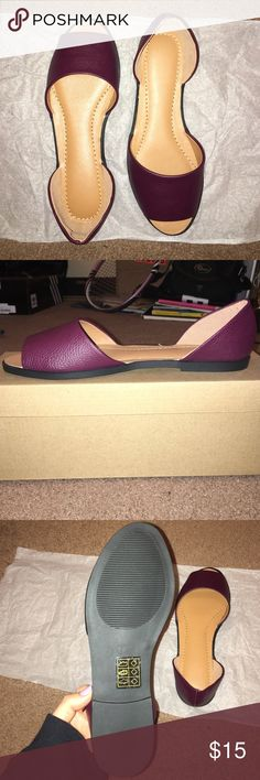 Urban Outfitters Cooperative Andie Flats Pretty bordeaux wine color. Size 7 but slightly long, so they could fit 7.5 more easily, if you have narrow feet. ***These did not come with tags, but they have not been worn and will be shipped with all original packaging. Urban Outfitters Shoes Flats & Loafers