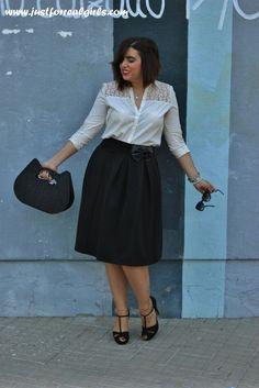 Os dejo con detalles del #newpost sobre las faldas midi, elgantes y muy chics! Más en http://www.justforrealgirls.com/2015/10/outfit-faldas-midis.html #tdsmoda #justforrealgirls #streerstyle #shoeslover #realgirls #curvygirl #curvyfashion #ootdshare #outfit #style #tflers #fashionista #igersevilla #sevilla #igfashion #fashionblogger #followme #bloggerlife #egoblogger
