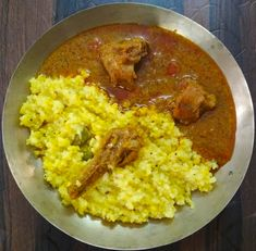 Kolhapuri Chicken Recipe is spicy, delicious and mouth-watering chicken recipe and one of the most popular dishes served in restaurants . Fresh Coriander, Coriander Seeds, Mouth Watering Chicken Recipe, Dry Coconut, Chicken Masala, Indian Curry, Spicy, Chicken Recipes, Roast