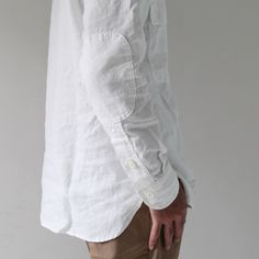 brasstacksrva:    Summer staple: white linen / khaki cotton