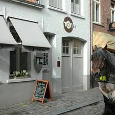 #Tearoom / Salad bar 'Tonka' - situated near the famous Beguinage in Bruges - recommended by Hotel Navarra Bruges?  http://www.tonkatearoom.be/ http://www.hotelnavarra.com/en/info/1447/Restaurants.html