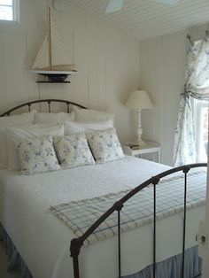 Love the simplicity of this Cabot Cove Cottage bedroom