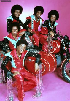 Jackson 5 ~ Michael Jackson & his siblings Jermaine, Randy, Marlon&Tito Jackson 5, Michael Jackson Memes, Paris Jackson, Jackson Family, Tito Jackson, Jackie Jackson, Music Icon, Soul Music, Music Music