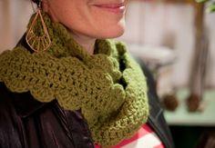 One Skein Crochet Scarf on Creativebug. I have to take this. #creativebug