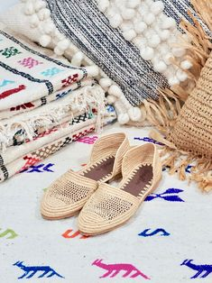 Rope Sandals, Shoes Sandals, Moda Boho, Agadir, Ballerina Shoes, We Fall In Love, Vegan Shoes, Slow Fashion, Straw Bag