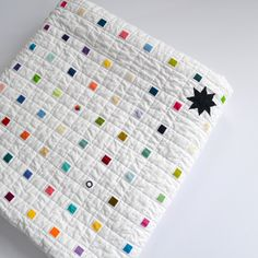 Rainbow Quilt Modern quilt White Quilt by TwiggyandOpal on Etsy Quilt Baby, Scrappy Quilts, Mini Quilts, Quilting Fabric, Quilting Projects, Quilting Designs, Small Quilt Projects, Postage Stamp Quilt, Party Set
