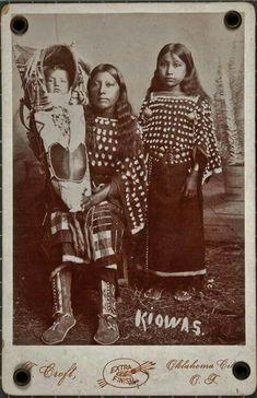 Kiowa mother & children. 1889.