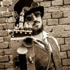 A perfect day #vaporosamente  #steam #steampunk #italiansteampunk #storyteller #italiansteamer #woodenarm #WoodenArmMan